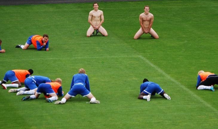 Sandefjord, time de futebol norueguês, divulgou uma curiosa foto em ...