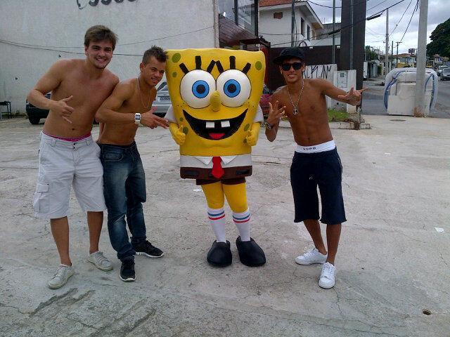 Pegando na pelinha do Jogador Neymar